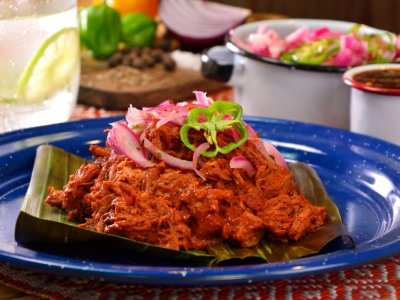 PULLED  PORK  PIBIL  STYLE