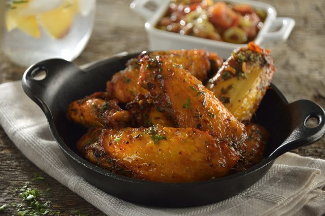 Mediterranean Chicken Wings with Roasted Tomato Dressing