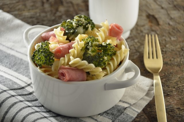 Baked Pasta with Ham and Mayonnaise