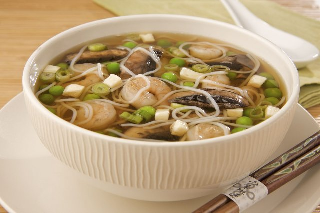 Oriental soup with peas