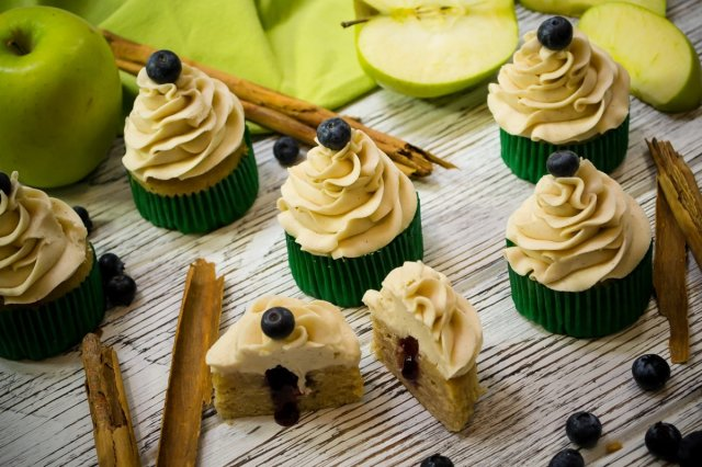 Apple Cupcakes Jam Fillers