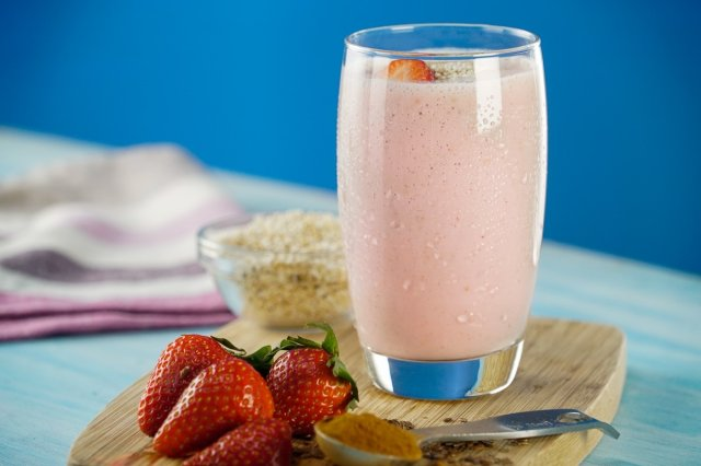Smoothie of Strawberry, Banana and Amaranth