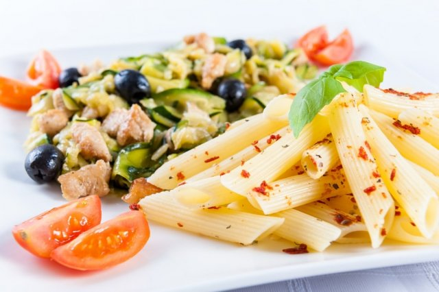 Cold pasta with tuna