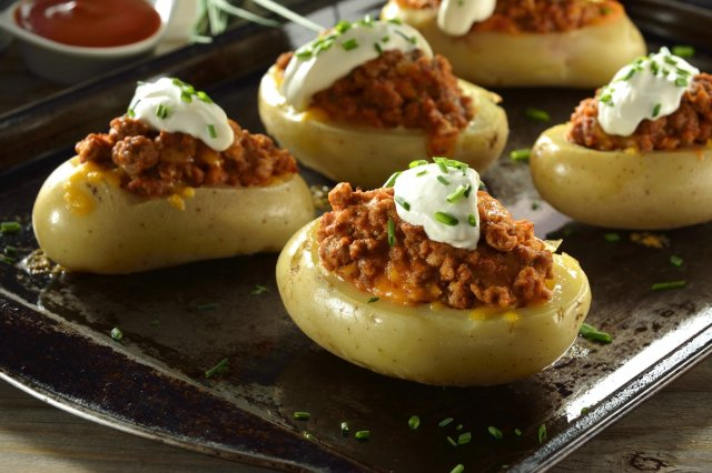 Stuffed Potatoes with Ground Beef