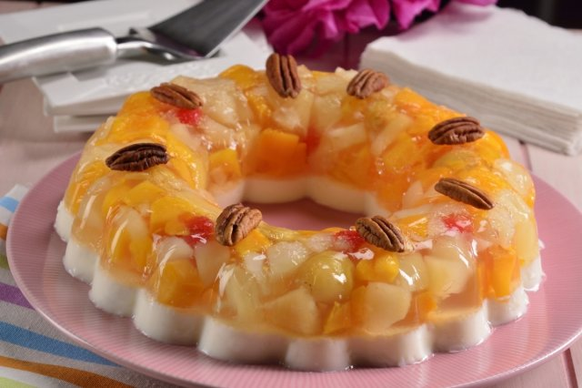 Milk Jelly with Fruit Mix
