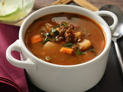Sopita Picosa of Lentils with Chorizo ​​and Vegetables