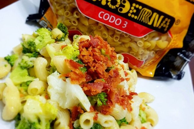 Pasta Salad with Broccoli, Cauliflower, Cheese and Bacon