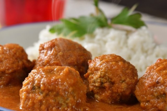 Meatballs in Caldillo de Chipotle