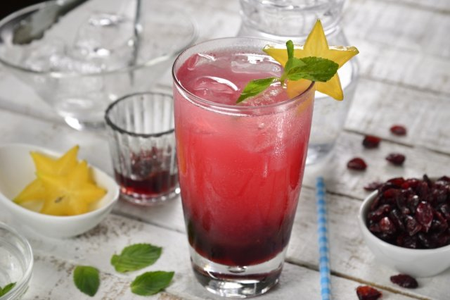 Cranberry and Ginger Cocktail