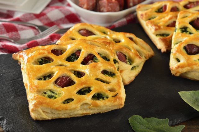 Puff Pastry, Tuna and Spinach Envelopes