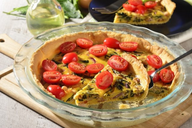 Vegetarian Quiche with Cherry Tomato