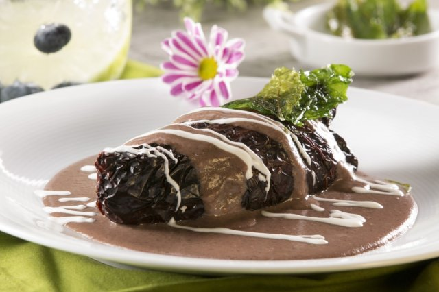 Chile Ancho Stuffed with Bean Sauce and Bacon