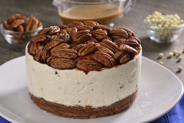 Cheesecake de Nuez con Chocolate y Caramelo
