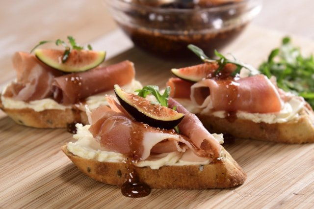 Crostini Serrano Ham with Fig Jam