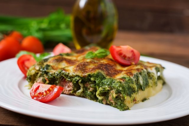 Cannelloni stuffed with crab and spinach pesto