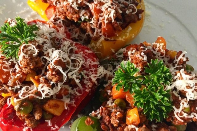 Peppers Stuffed with Ground Beef