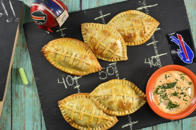 Ball-shaped Meat Empanadas