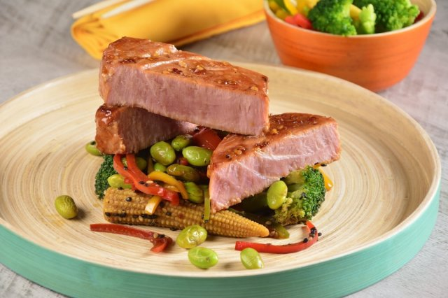 Teriyaki Tuna with Sesame Vegetables