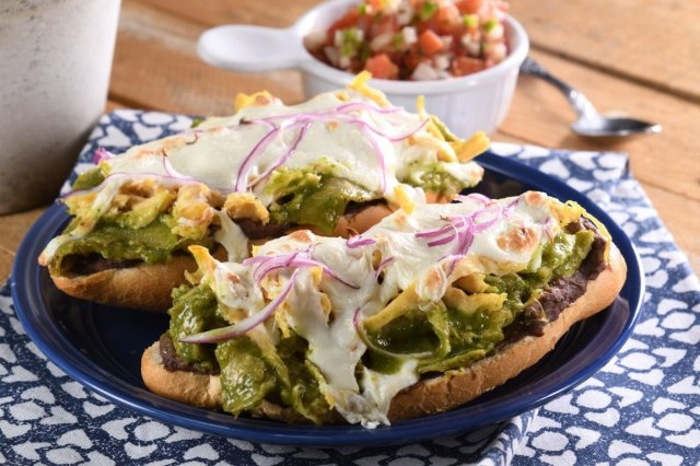 Molletes with Chilaquiles Verdes