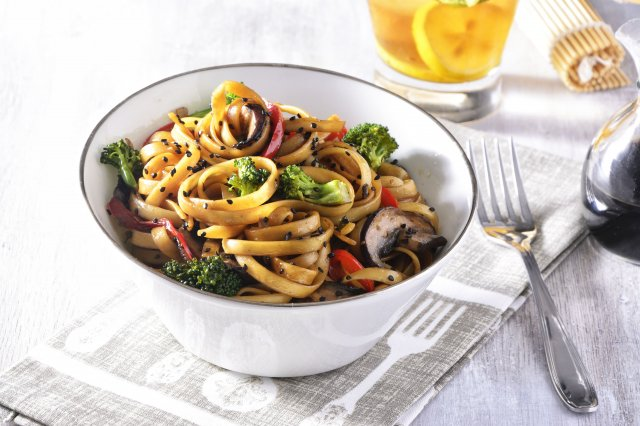 Teriyaki Spaghetti with Mushrooms and Roasted Peppers