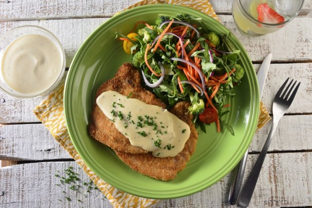 Crunchy Pork Chop with Hummus Sauce