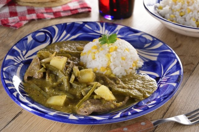 Steak with Potatoes and Nopales in Green Sauce