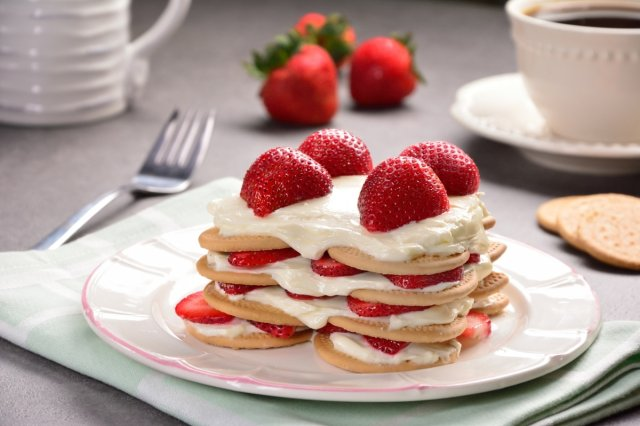 Strawberry Cake with Cream in Refractory