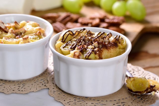 Clafoutis de Grapes, Cheese and Walnut
