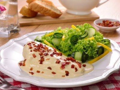Chicken in Cheese Sauce