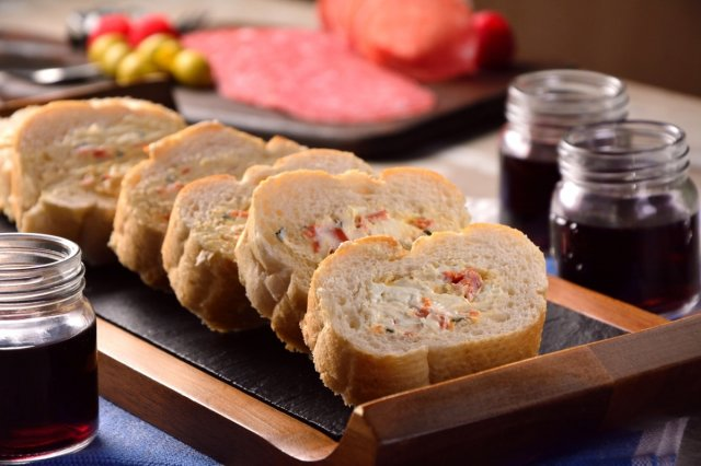 Bread Stuffed with Cream Cheese and Spices