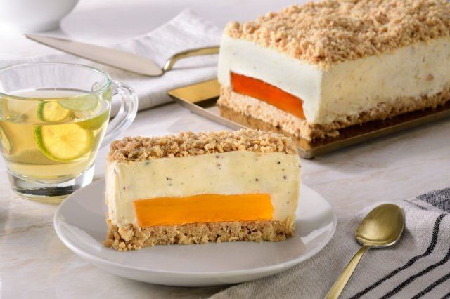 Vanilla and Mango Ice Cream Cake with Coconut Crumble