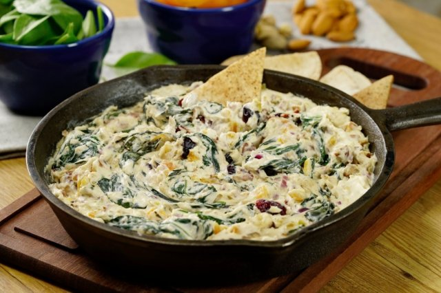 Spinach Dip with Dried Fruit