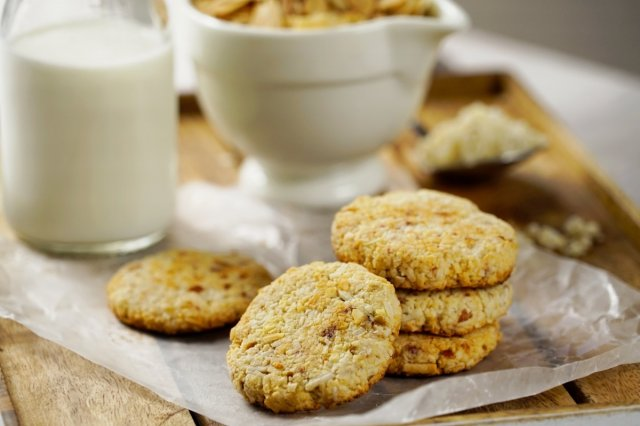 Coconut Cookies and Healthy Almonds