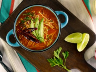 Sopa de Fideo con Chile Guajillo
