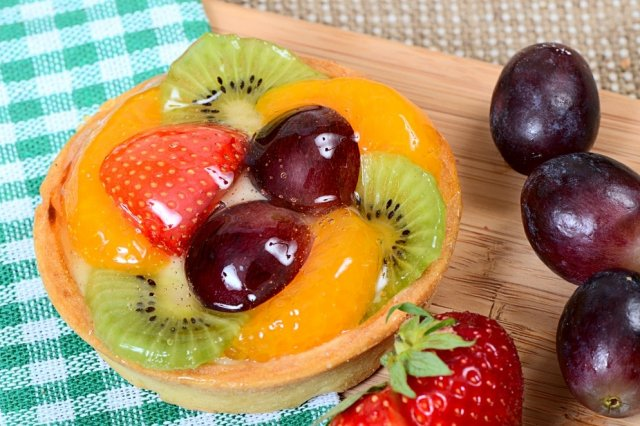 Fruit Tartlets with Custard