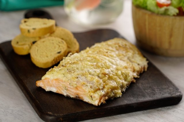 Baked Salmon with Mayonnaise