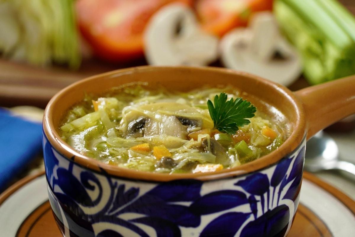 Recetas de sopa de col para adelgazar