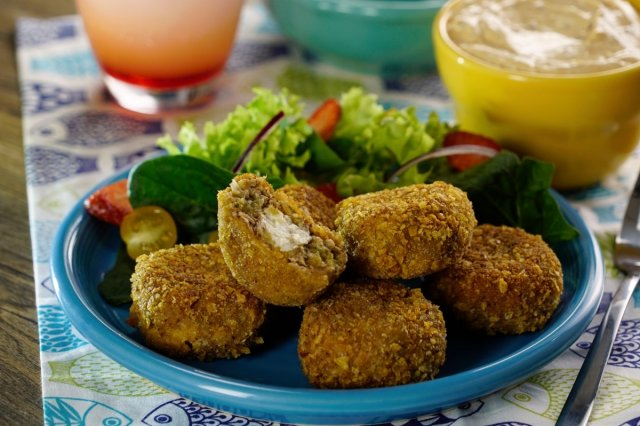 Tuna croquettes with Chipotle Dressing