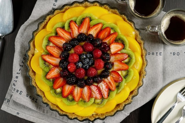 Fruit Cake with Pastry Cream