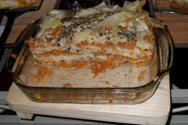 Lasagna with Meat and Mushrooms