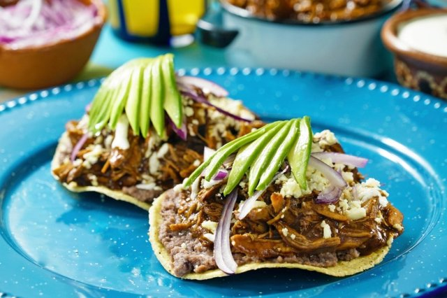 Chicken Toasts with Mole