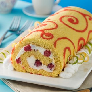 Raspberry Cheese Roll