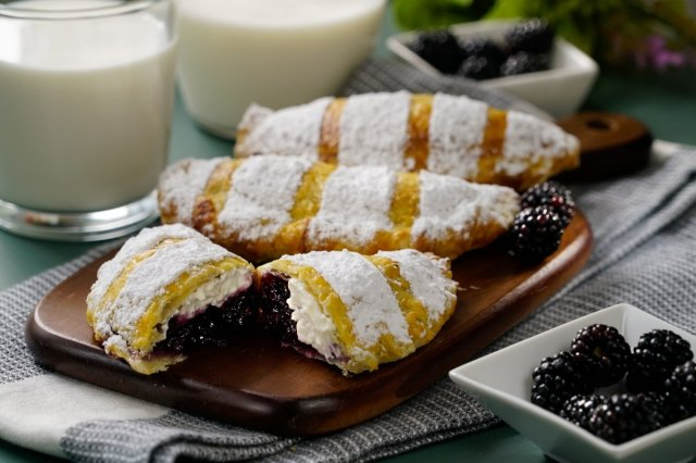Blackberry and Cheese Empanadas