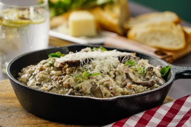 Creamy Parmesan Rice with Mushrooms