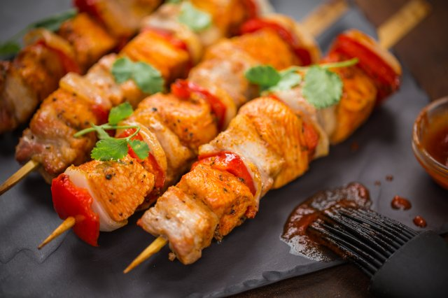 Brochetas de Pollo con Pork Belly
