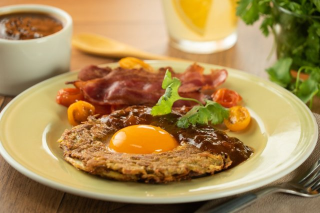 Hashbrown & Egg with Roasted Red Sauce
