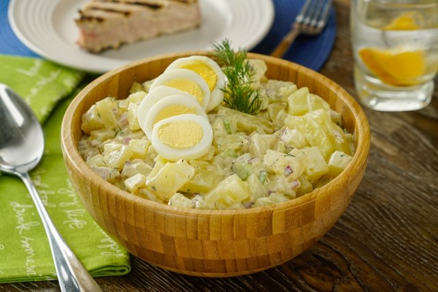 Delicious Potato Salad with Egg