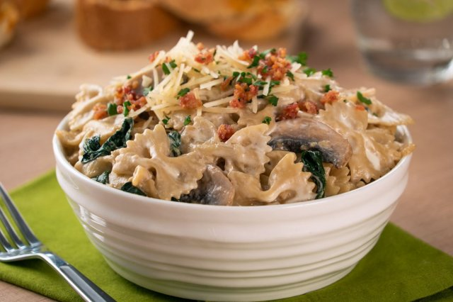 Farfalle with Spinach, Mushrooms and Caramelized Onion