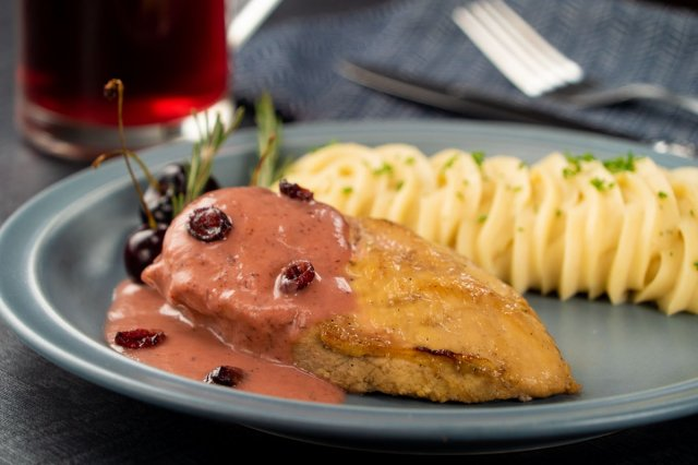 Baked Chicken with Rosemary and Cranberries