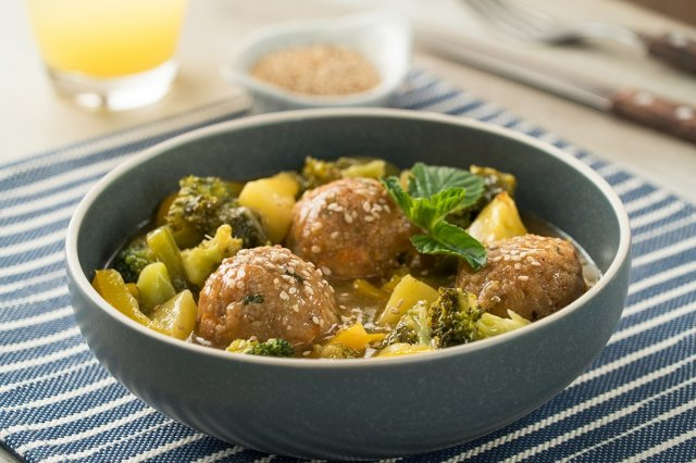 Sweet and sour stir fry with tuna meatballs